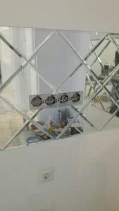 Розетки встроенные в панно из зеркала (подрезетники)