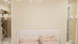 Современные зеркала в спальню